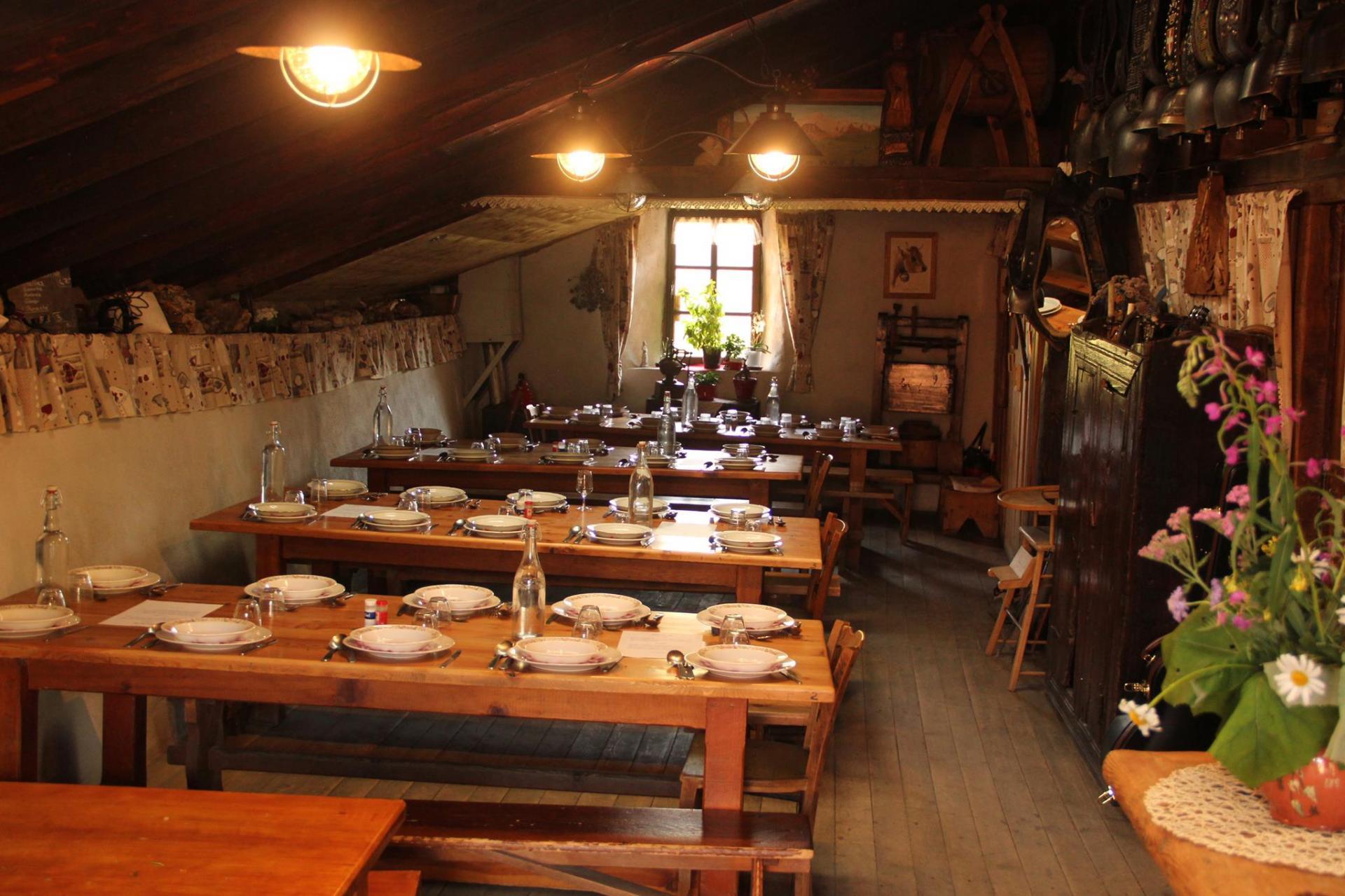 Salle à manger de l'auberge de Bellecombe